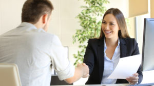 Tips on Inviting a Candidate for an Interview